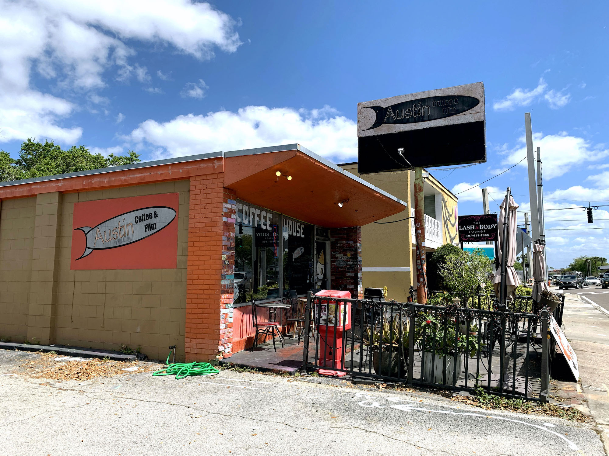 Exterior of Austin's Coffee on Fairbanks Avenue.